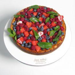 чізкейк з ягодами