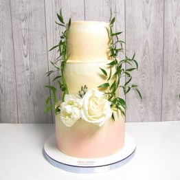 весільний торт з квітами