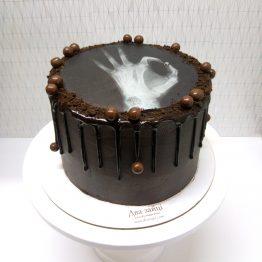 торт чорний з друком