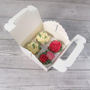 коробка капкейков цветы