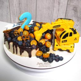 Торт з ігршкою Екскаватор