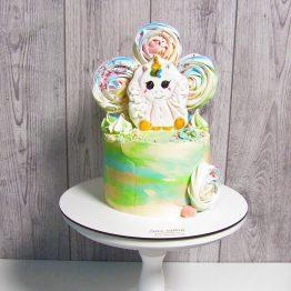 торт з єдинорогом